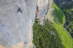 CLIMBING IN GORGES DU VERDON